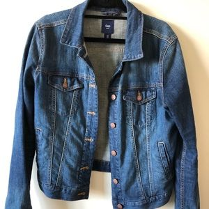 Mid-wash denim jacket